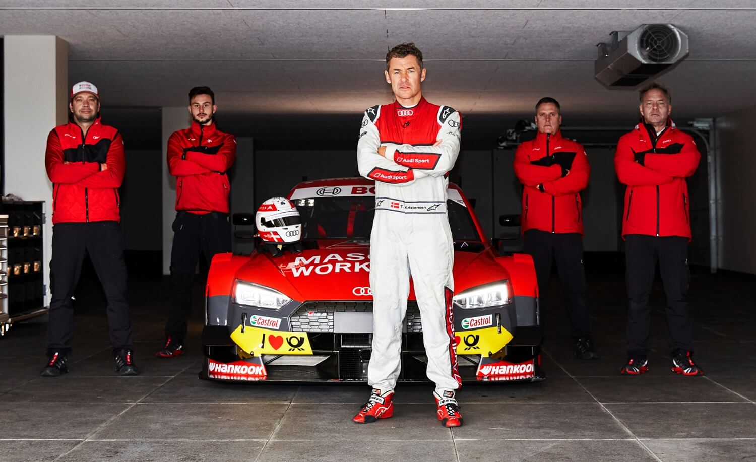 Audi Sport RS5 DTM race car - MASCOT WOKRWEAR - Tom Kristensen - Mechanics - MASCOT headquarters