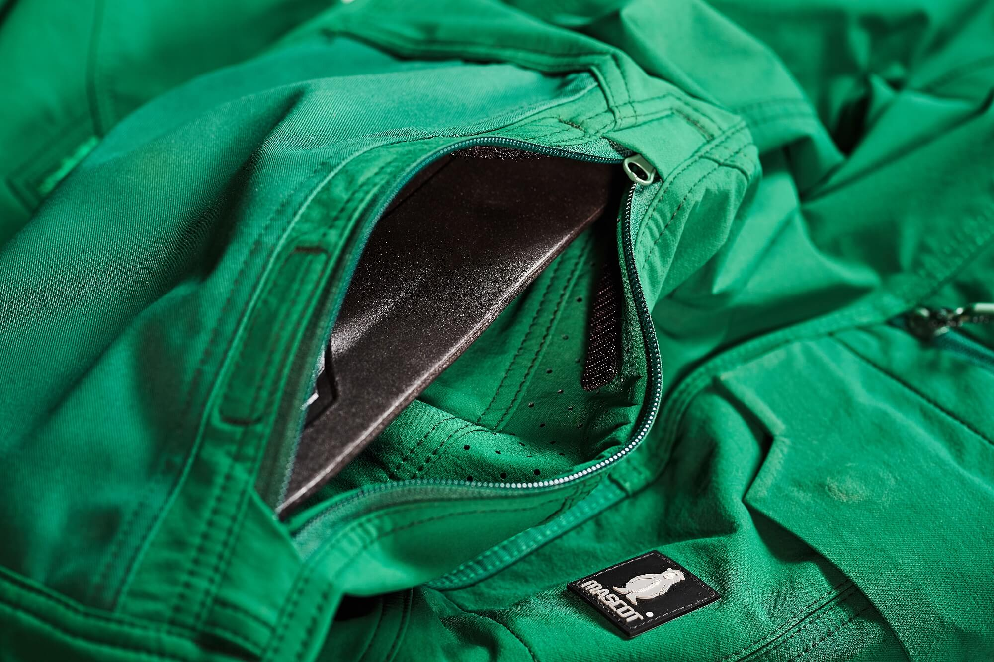 Kneepad pockets - Trousers - Detail - Green