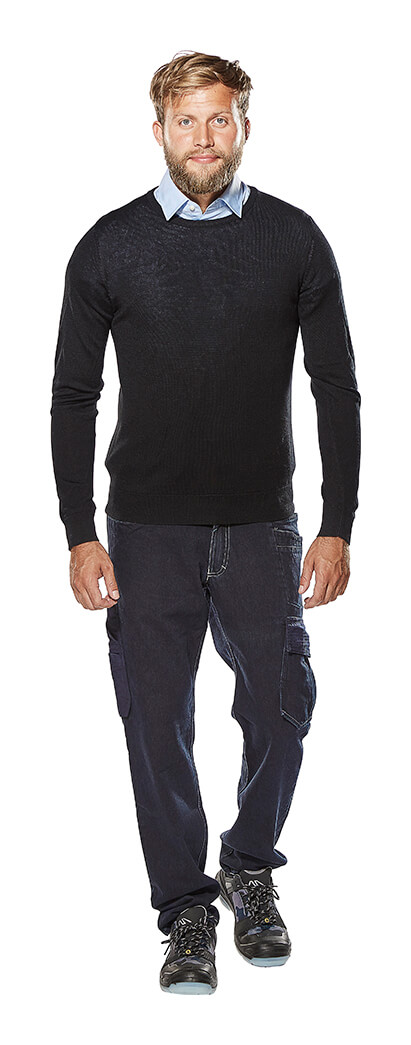 Knitted Jumper, Shirt & Jeans - Model - MASCOT® CROSSOVER